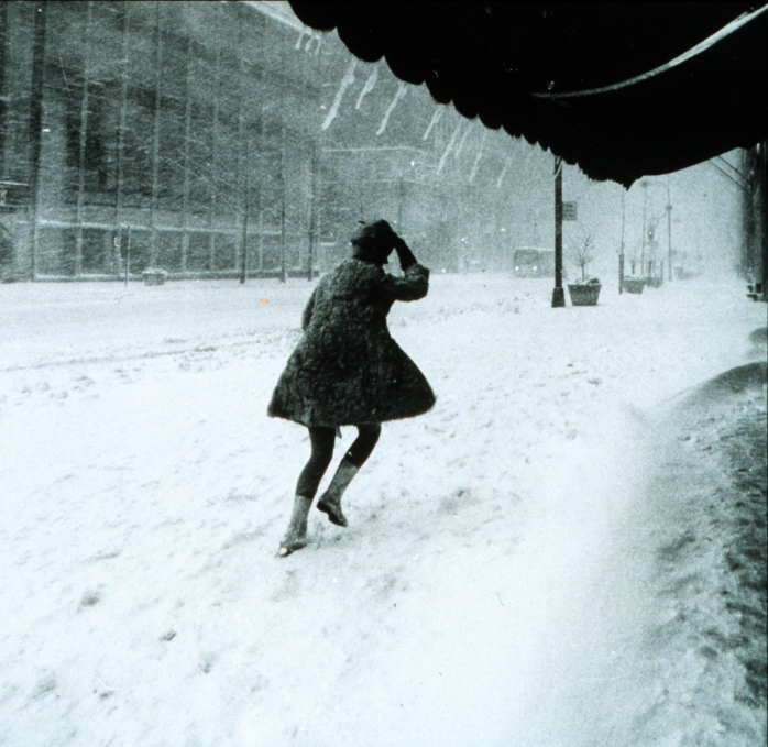 Miniskirts_in_snow_storm